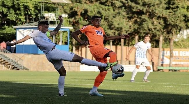 Alanyaspor Desna'yla 2-2 berabere kaldı