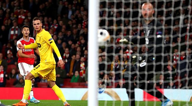 Arsenal Standart Liege'i 4 golle geçti