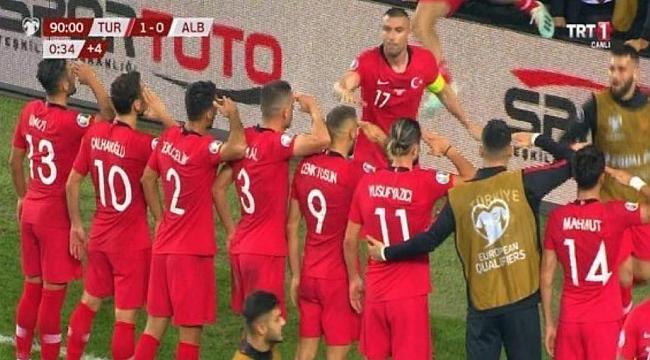 Cenk Tosun Türkiye'yi ayağa kaldırdı