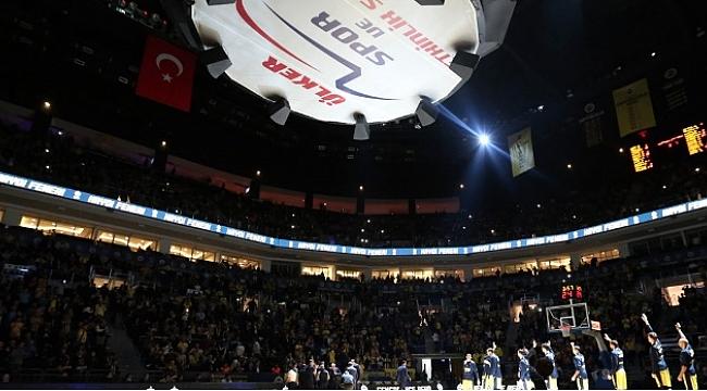 Fenerbahçe Baskonia maçıyla seyircisinin önüne çıkıyor