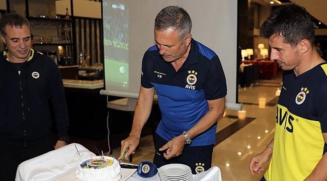 Fenerbahçe'de Volkan Ballı'ya doğumgünü sürprizi
