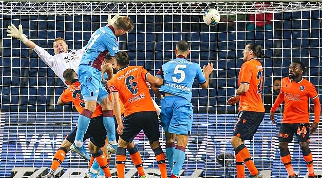 Trabzonspor Başakşehir'i 90+6'da yakaladı