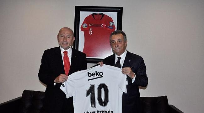 Ahmet Nur Çebi'den TFF Başkanı Özdemir'e ziyaret