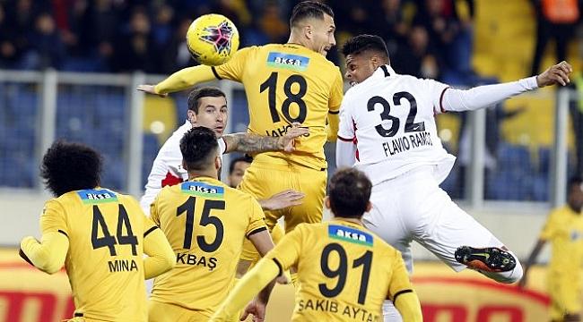 Ankara'daki gol düellosu nefesleri kesti