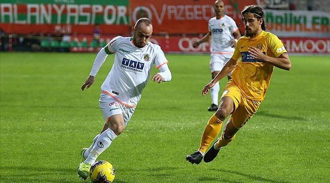 Aytemiz Alanyaspor'dan evinde 5 gollü galibiyet