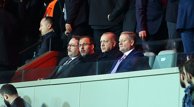 Başakşehir - Roma maçını Cumhurbaşkanı Erdoğan da izledi