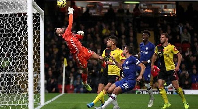 Chelsea kazandı, Arsenal takıldı