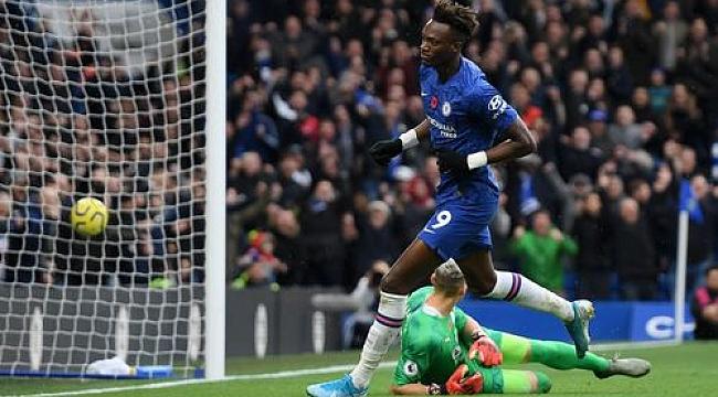 Chelsea kazanmaya devam ediyor