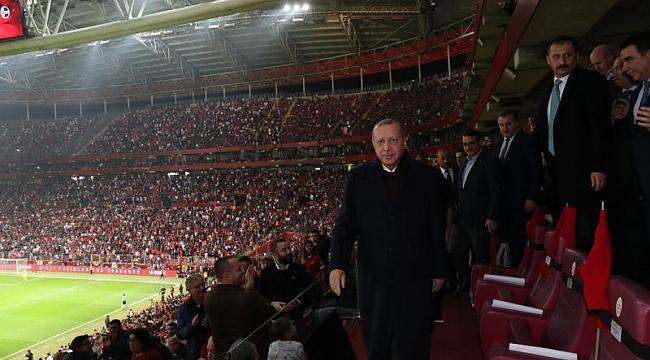 Cumhurbaşkanı Erdoğan Milli Takım'ı kutladı