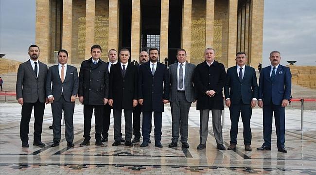 MKE Ankaragücü'nün yeni Yönetimi'nden Anıtkabir'e ziyaret