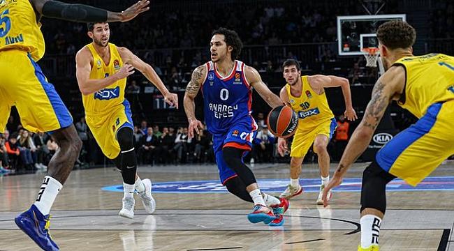 Anadolu Efes'ten Maccabi'ye 20 sayı fark