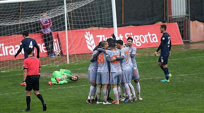 Başakşehir Hekimoğlu Trabzon'u tek golle geçti