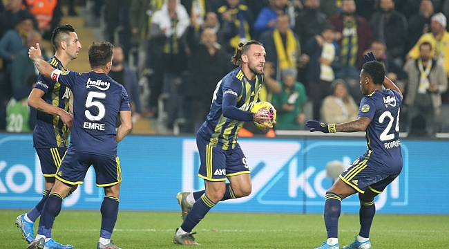Fenerbahçe Kadıköy avantajını iyi kullandı