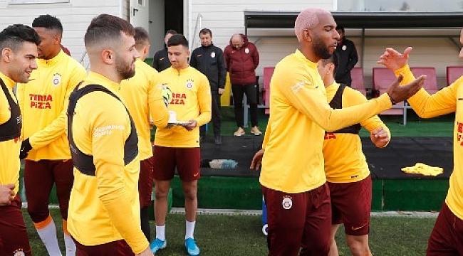 Galatasaray'da 7 futbolcu Göztepe maçı kadrosuna alınmadı