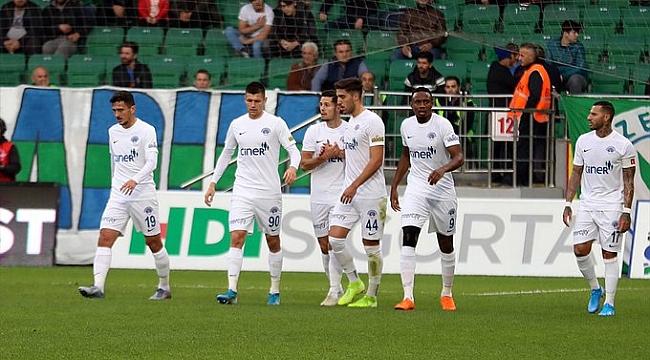 Kasımpaşa Rizespor'u deplasmanda farklı yendi