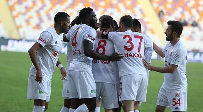 Lider Sivasspor Yeni Malatya engelini de aştı