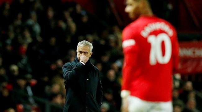 Manchester United Mourinho'lu Tottenham'ı Rashford'la geçti