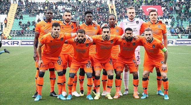 Mönchengladbach - Başakşehir maçı ne zaman saat kaçta hangi kanalda ?