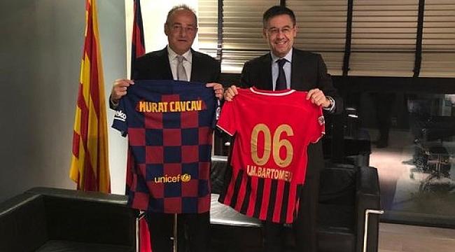 Murat Cavcav Barcelona Başkanı ile bir araya geldi