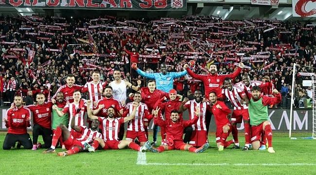 Sivasspor 7'de 7 yaptı
