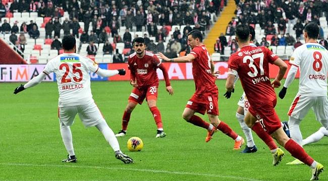 Sivasspor Göztepe'yi yendi ilk devreyi lider kapattı