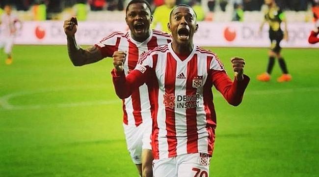 Sivasspor Robinho'yu transfer etmek istiyor