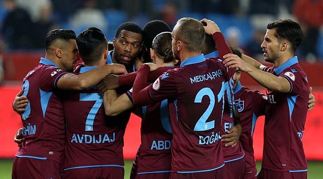 Trabzonspor dört gollü galibiyetle tur atladı