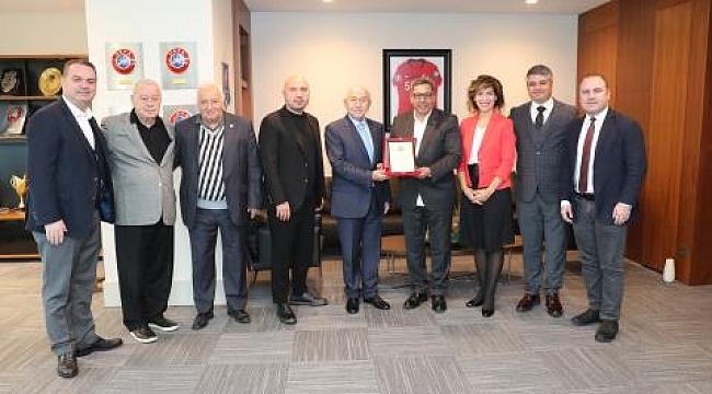 Türkiye Futbol Vakfı'ndan Nihat Özdemir'e ziyaret