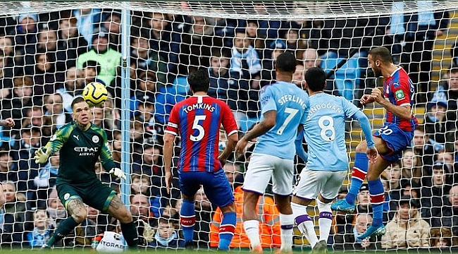 Cenk Tosun'lu Crystal Palace'tan Manchester City'ye çelme