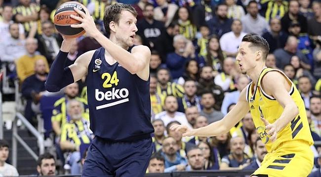 Fenerbahçe Beko Alba Berlin'i son çeyrekte devirdi