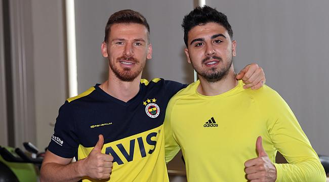 Fenerbahçe ilk idmanını salonda yaptı