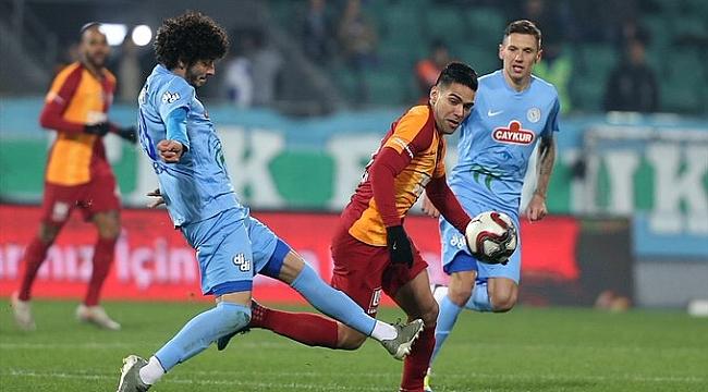 Galatasaray Rizespor'la yenişemedi
