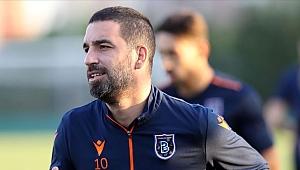 Galatasaray taraftar grubundan Arda Turan'a destek