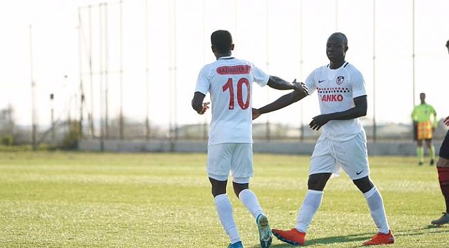 Gaziantep FK Honved'i penaltıyla devirdi