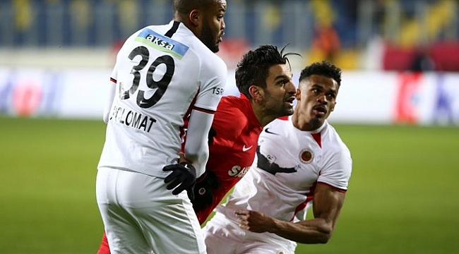 Gençlerbirliği Gaziantep'i penaltıyla devirdi