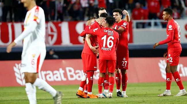 Gol düellosunu kazanan Antalyaspor