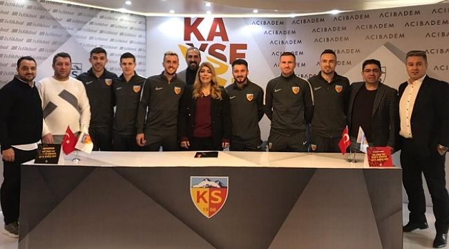 Kayserispor 6 yeni transfere imza attırdı
