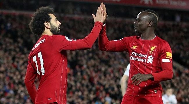 Liverpool bir maç eksiğiyle 13 puan fark attı