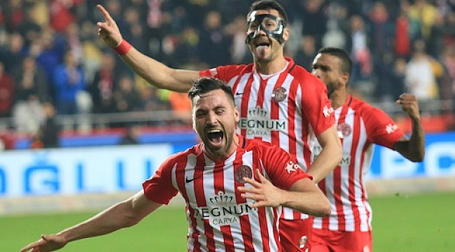 Antalyaspor Kasımpaşa'yı eli boş gönderdi