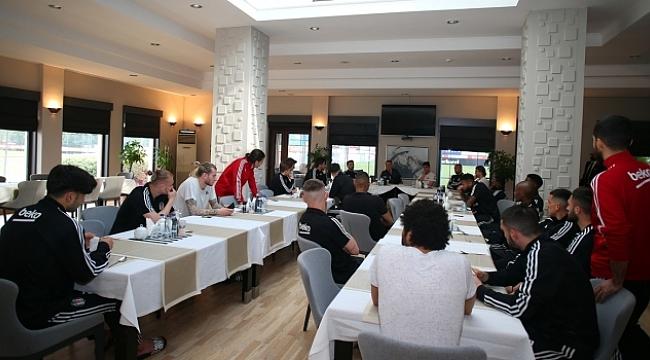 Başkan Çebi futbolcularla bir araya geldi
