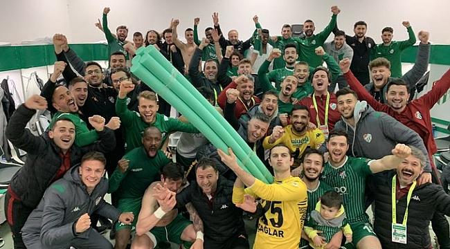 Bursaspor Adana Demirspor'u eli boş gönderdi