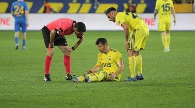 Kaptan Emre Belözoğlu da Galatasaray derbisinde yok