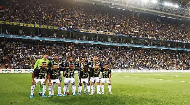Fenerbahçe Antalya karşısına farklı onbirle çıkacak