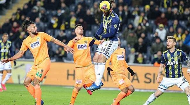Fenerbahçe penaltı tartışmaları arasında Alanya'ya takıldı