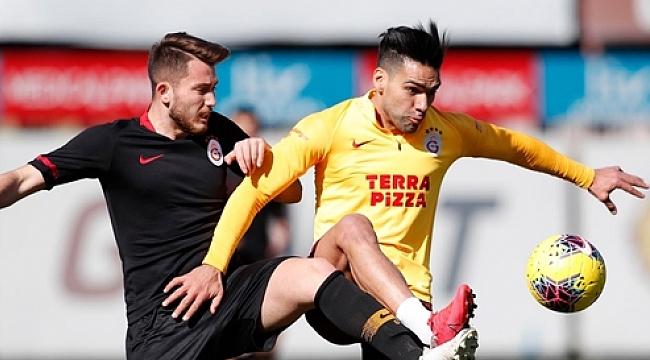 Galatasaray'da Falcao takımla çalışmalara başladı