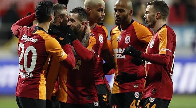 Galatasaray Kasımpaşa'yı 3-0'la geçti