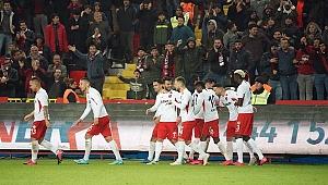 Gaziantep Rizespor'u 2-0 mağlup etti
