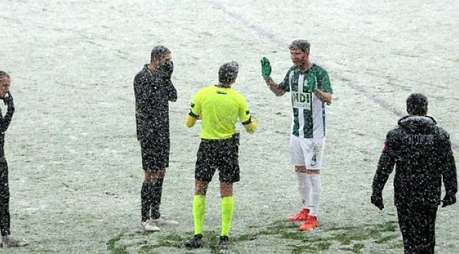 Giresunspor - İstanbulspor maçı kar yüzünden tatil edildi