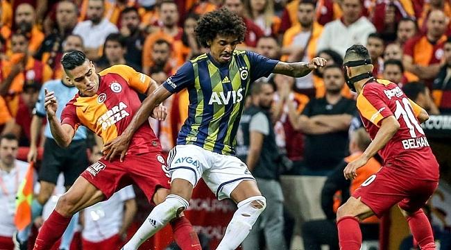 Luiz Gustavo derbide cezalı