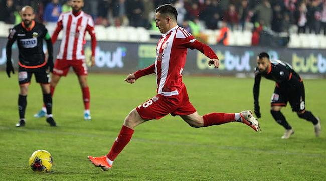 Sivasspor penaltıyla kazandı